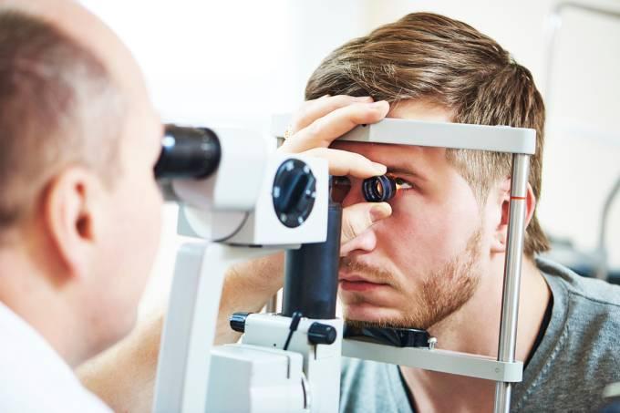 Exame de visão – Oftalmologista