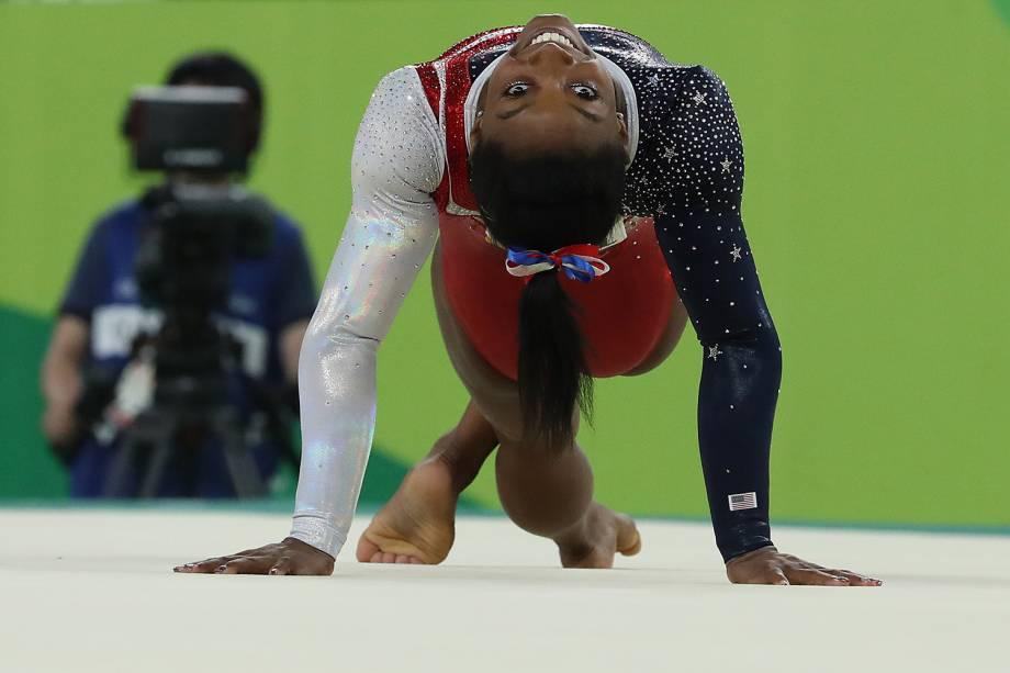 A ginasta americana Simone Biles, durante final por equipes na Arena Olimpica - 09/08/2016