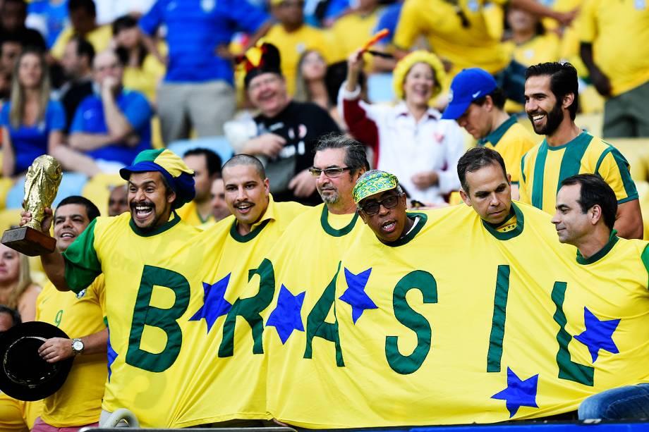 Torcedores do Brasil durante a final do futebol masculino contra a Alemanha, no Maracanã