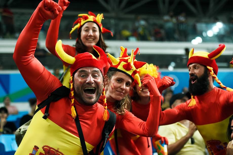 Torcedores na semifinal de basquete masculino entre Estados Unidos e Espanha, nas Olimpíadas Rio 2016