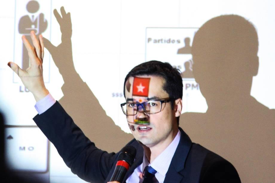 O procurador da República e coordenador da força-tarefa da Lava Jato em Curitiba (PR),  Deltan Dallangol, durante coletiva de imprensa para mostrar balanço da Operação até o momento e para anunciar detalhes da denúncia contra o ex-presidente da República, Luiz Inácio Lula da Silva - 14/09/2016