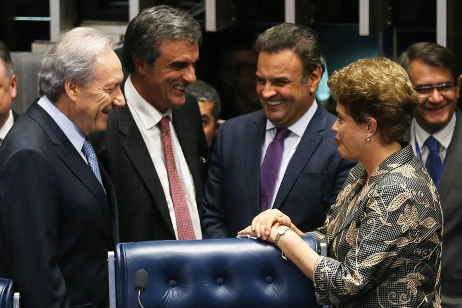 O presidente do STF (Supremo Tribunal Federal), Ricardo Lewandowski, o advogado José Eduardo Cardozo, o senador Aécio Neves (PSDB-MG) e a presidente afastada Dilma Rousseff em sessão de julgamento do impeachment, no Senado Federal - 29/08/2016