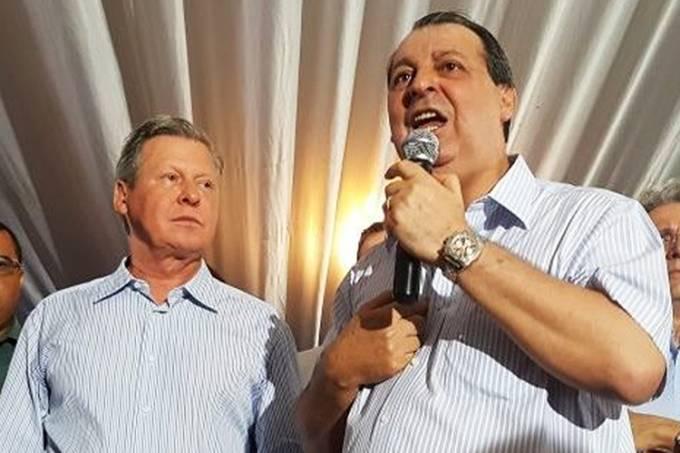O senador Omar Aziz (PSD-AM) e o prefeito de Manaus, Artur Virgílio