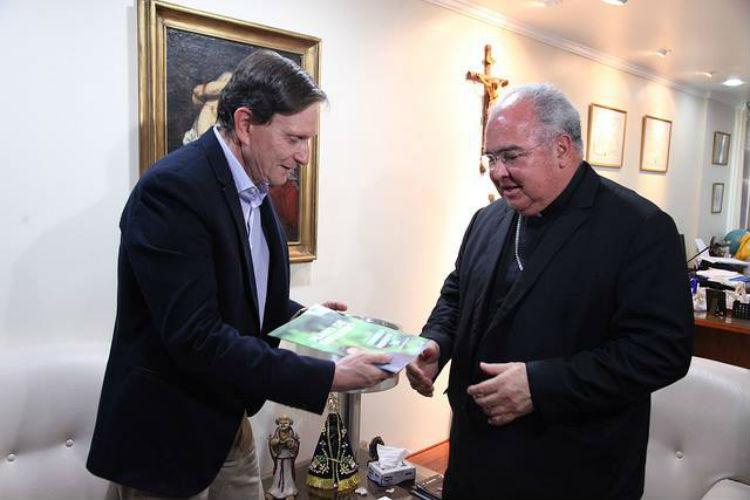 Marcelo Crivella perde apoio do público católico após polêmica com a Arquidiocese do Rio