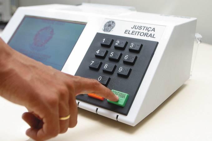 786 urnas eletrônicas tiveram que ser substituídas