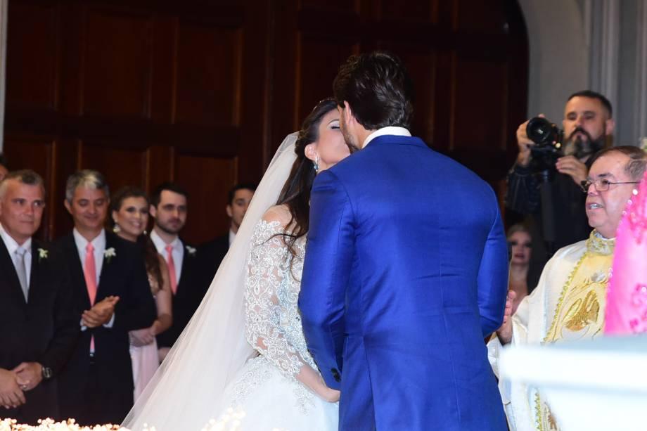Kamilla Salgado e Eliéser Ambrósio se casam em São Paulo