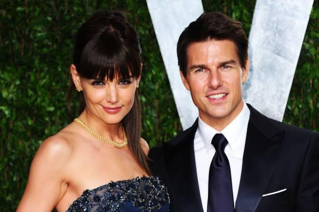 Os atores Katie Holmes e Tom Cruise durante evento da Vanity Fair, em Hollywood - 26/02/2012