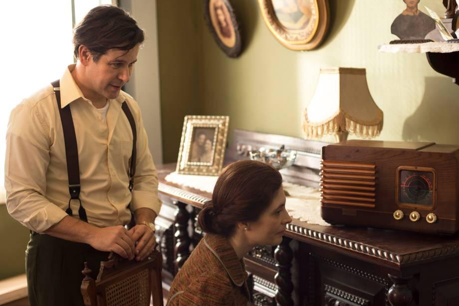 Saulo ( Murilo Benicio ) e Dona de casa ( Mariana Mc Niven ), em cena da minissérie 'Nada Será Como Antes'