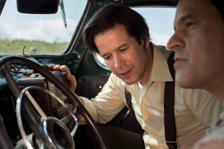 Saulo ( Murilo Benicio ) e Aristides ( Bruno Garcia ), em cena da minissérie 'Nada Será Como Antes'