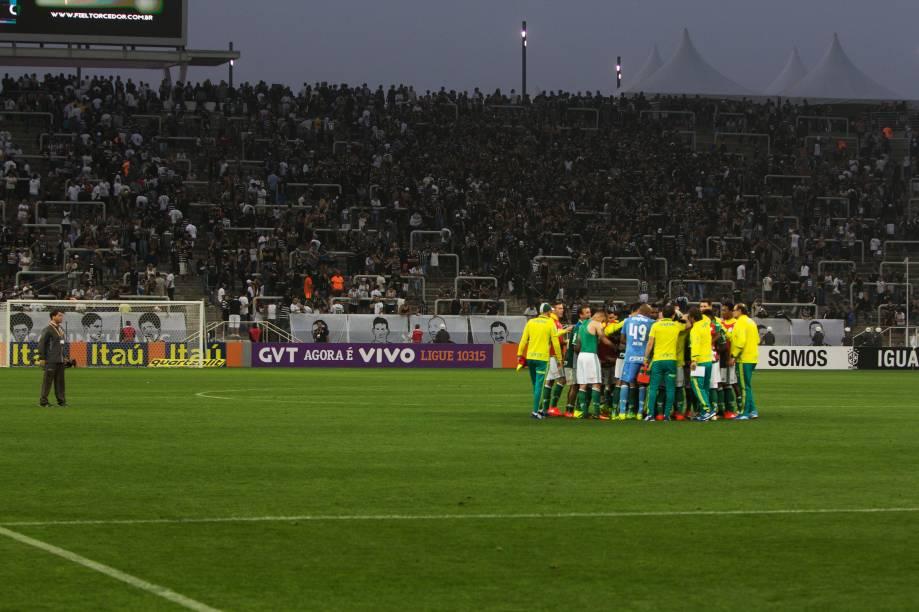 Jogadores do Palmeiras comemoram vitória sobre o Corinthians no Itaquerão, zona leste de São Paulo