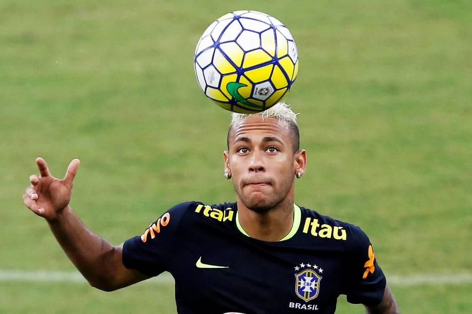 O jogador Neymar durante treino preparatório da Seleção Brasileira para as eliminatórias da Copa do Mundo de 2018, na Rússia - 05/09/2016