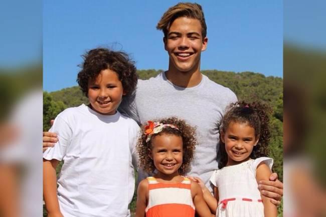 Os quatro filhos do ex-jogador Ronaldo: Ronald, Alexander, Maria Sophia e Maria Alice