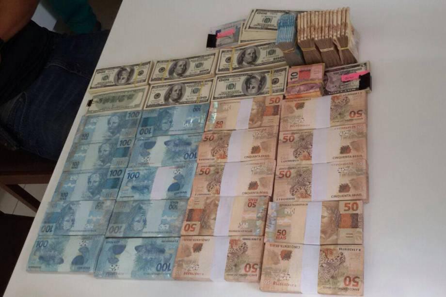 Dinheiro é apreendido pela Polícia Federal durante operação Greenfield