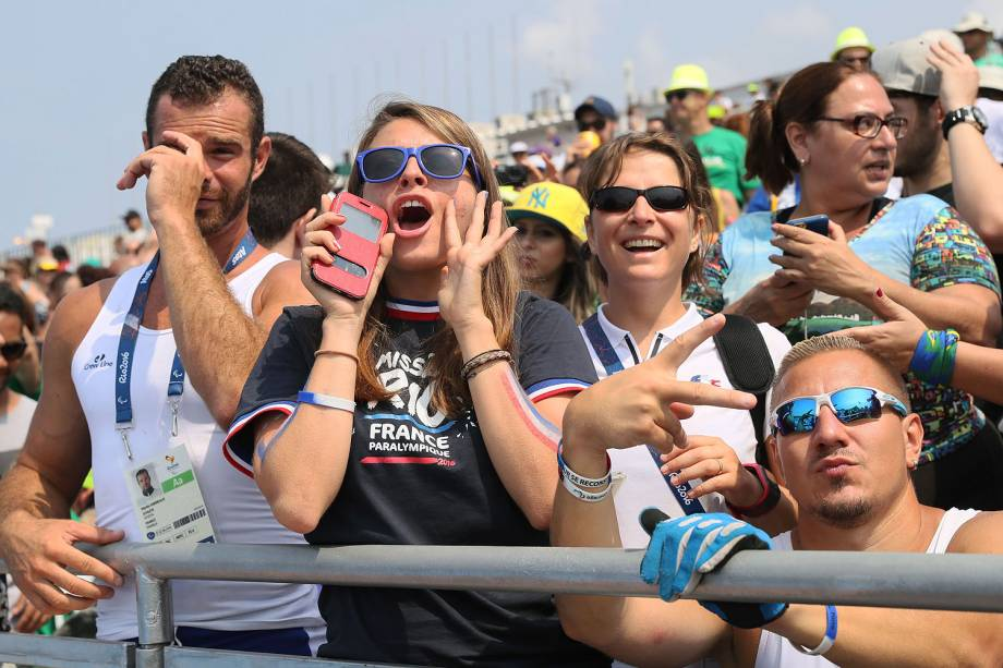 Público acompanha as provas da final de canoagem de velocidade, no Estádio da Lagoa, pelos Jogos Paralímpicos do Rio 2016 - 15-09-2016