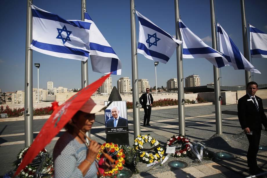 Israelenses prestam últimas homenagens ao ex-presidente Shimon Peres, no parlamento em Jerusalém - 29-09-2016