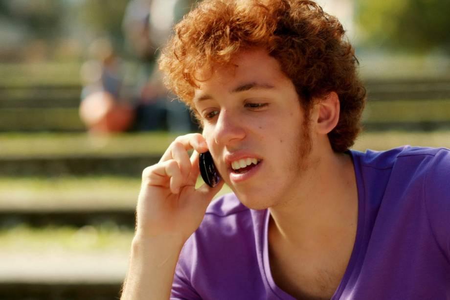 O ator João Côrtes durante comercial de uma operadora de celular