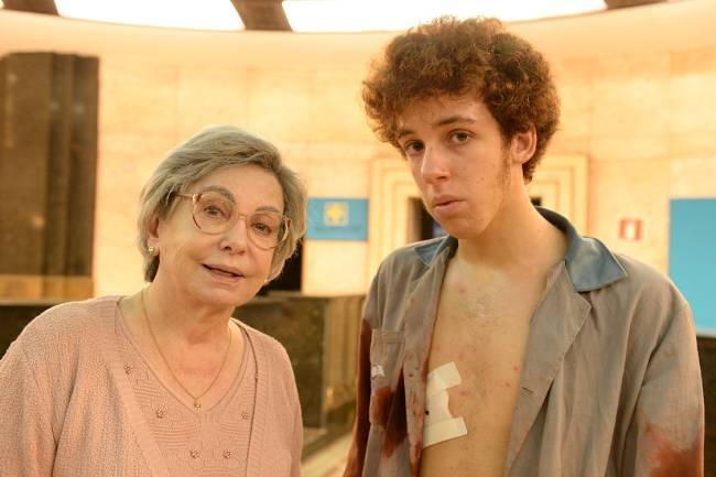 A atriz Beatriz Segall contracena com João Côrtes na série 'Os Experientes'