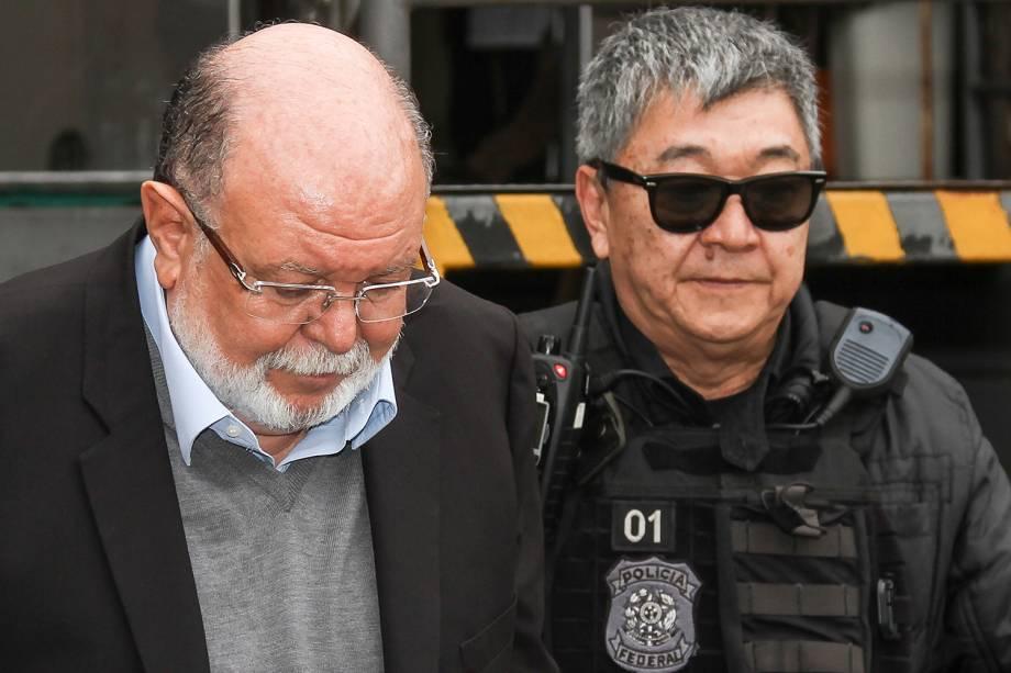 Léo Pinheiro, executivo da OAS, é conduzido pela Polícia Federal durante operação Greenfield e faz exame de corpo delito no IML de Curitiba - 05/09/2016