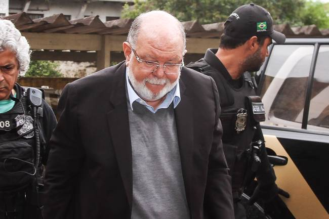 Léo Pinheiro executivo a OAS engenharia preso pela policia federal na manhã de hoje (05) na operação Greenfield faz exame de corpo delito no IML de Curitiba