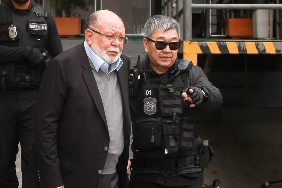 Léo Pinheiro, executivo a OAS, é preso pela Polícia Federal durante operação Greenfield e faz exame de corpo delito no IML de Curitiba - 05/09/2016