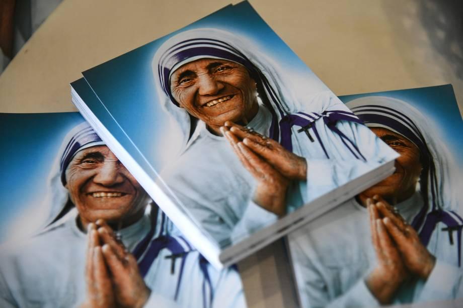 Fotografias de Madre Teresa de Calcutá são vistas durante exposição em Roma, na Itália - 01/09/2016