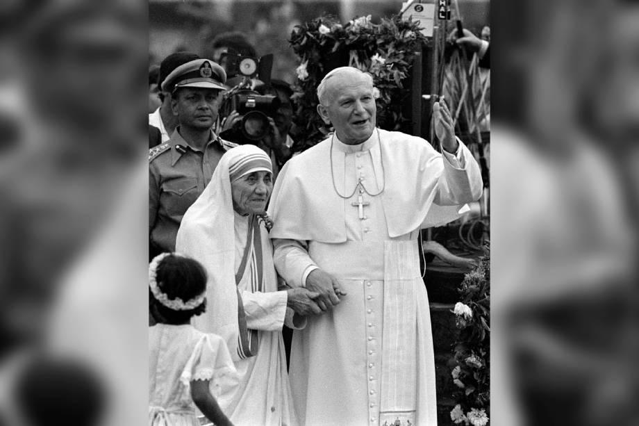 Papa João Paulo II e Madre Teresa de Calcutá visitam a Casa del Cuore Puro - 03/02/1986