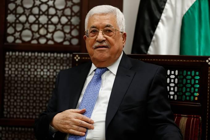 O presidente da Palestina, Mahmoud Abbas, durante encontro com o ministro das Relações Exteriores da Noruega, na Cisjordânia