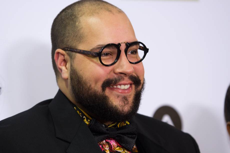 O ator e cantor Tiago Abravanel, um dos apresentadores da noite (Foto: Natália Luz)