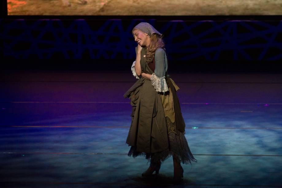 Bianca Tadini apresenta um número de Cinderella (Foto: Natália Luz)