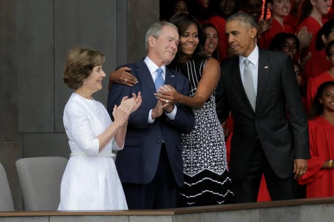 Michelle Obama e George W. Bush