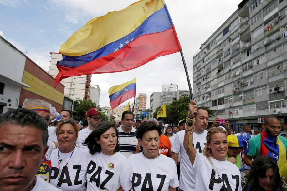 População reivindica referendo para saída de Nicolás Maduro do poder, em Caracas, na Venezuela - 01/09/2016