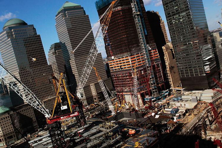 Vista do Marco Zero na Ilha de Manhattan, onde as novas torres do World Trade Center foram construídas e inauguradas no dia 3 de novembro de 2014
