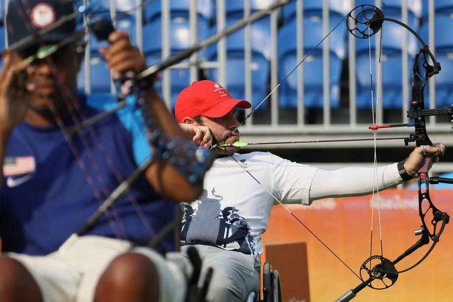 O atleta Nathan Macqueen durante a competição no Tiro com Arco Paralímpico, no Sambódromo, no Rio de Janeiro - 14/09/2016
