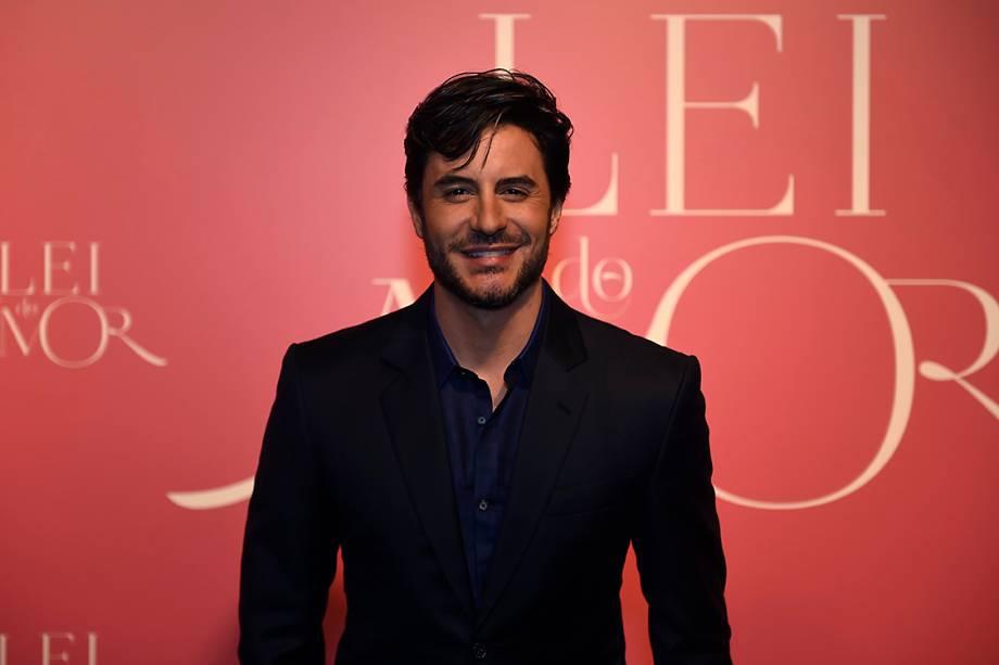 O ator Ricardo Tozzi, durante a festa de lançamento da novela 'A Lei do Amor'