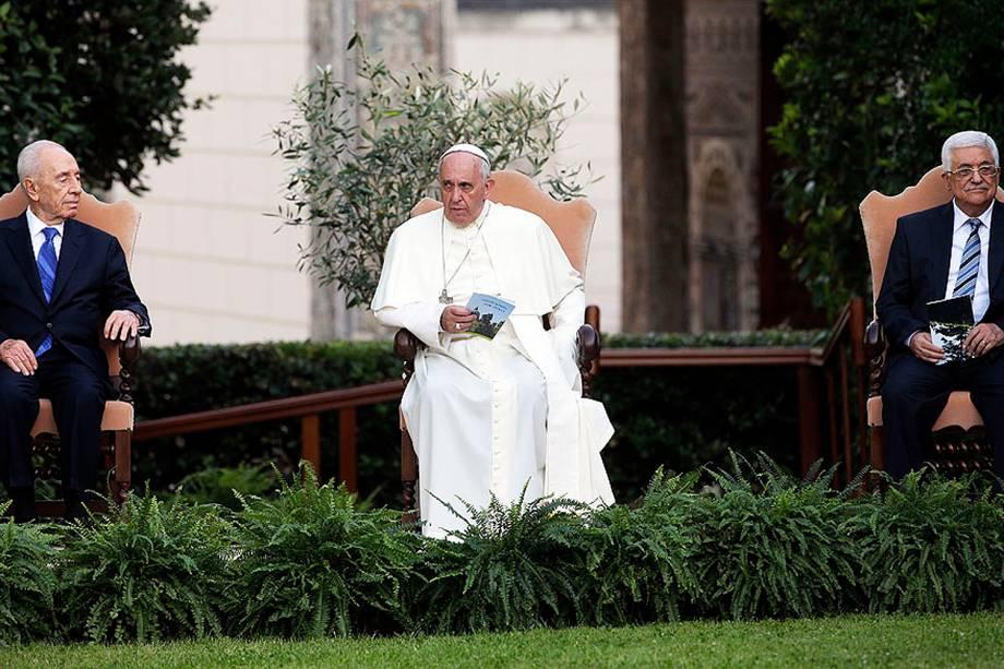 O papa se reúne no Vaticano com o chefe de Estado israelense, Shimon Peres, e o presidente da Autoridade Palestina, Mahmud Abbas - 08/06/2014