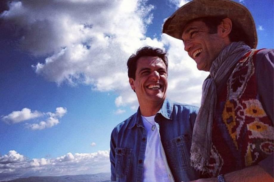 Atores Rodrigo Lombardi e Domingos Montagner, na gravação da novela Salve Jorge