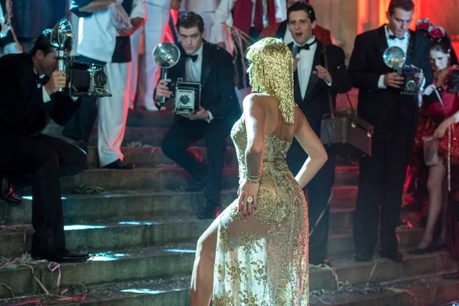 Beatriz (Bruna Marquezine) em cenas de Nada Será Como Antes, nova série da TV Globo