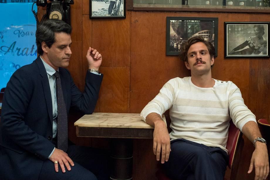 Rodolfo (Alejandro Claveaux) e Aristides (Bruno Garcia) em cenas de Nada Será Como Antes, nova série da TV Globo