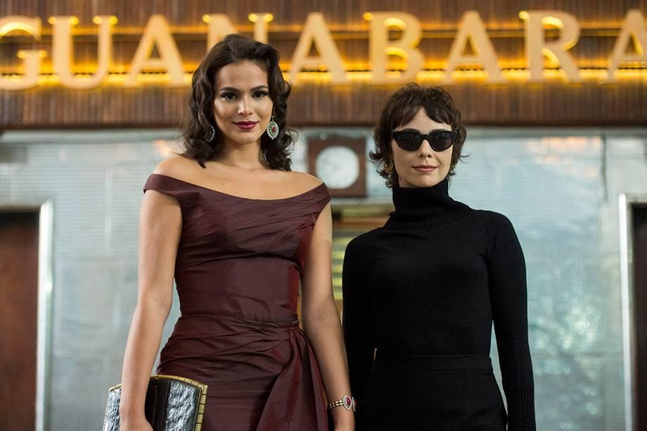 Veronica (Débora Falabella) e  Beatriz (Bruna Marquezine) em cenas de Nada Será Como Antes, nova série da TV Globo