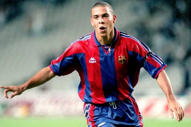 Ronaldo enquanto jogava pelo Barcelona FC