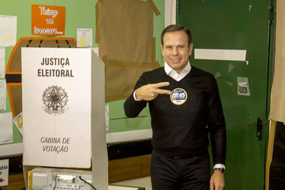 O candidato à Prefeitura de São Paulo, João Doria (PSDB), vota no Jardim América, zona oeste da capital paulista - 02/10/2016