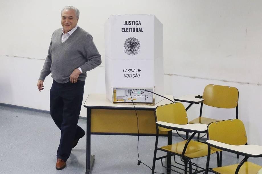 O presidente Michel Temer vota na Pontifícia Universidade Católica (PUC), na zona oeste de São Paulo, na manhã deste domingo - 02/10/2016