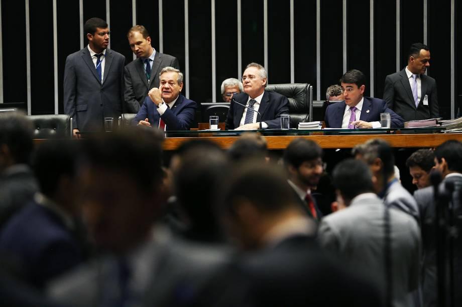 O senador Renan Calheiros durante sessão do Congresso Nacional, em Brasília (DF), para analisar vetos presidenciais e crédito suplementar para o Fies, Programa de Financiamento Estudantil - 18-10-2016