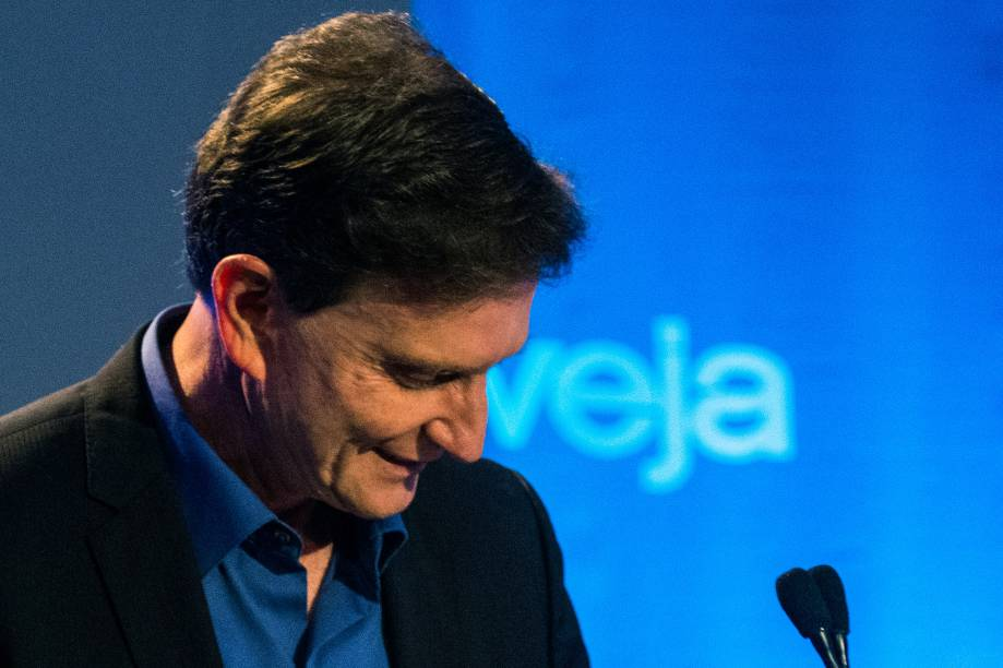 Marcelo Crivella (PRB), participa do debate de 2º turno para a Prefeitura da capital carioca, no Hotel Windsor Oceânico, na Barra da Tijuca, no Rio de Janeiro (RJ)