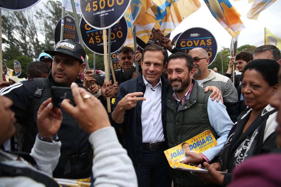 O candidato à Prefeitura de São Paulo, João Dória (PSDB), participa de encontro com militantes no Parque do Ibirapuera em São Paulo, SP
