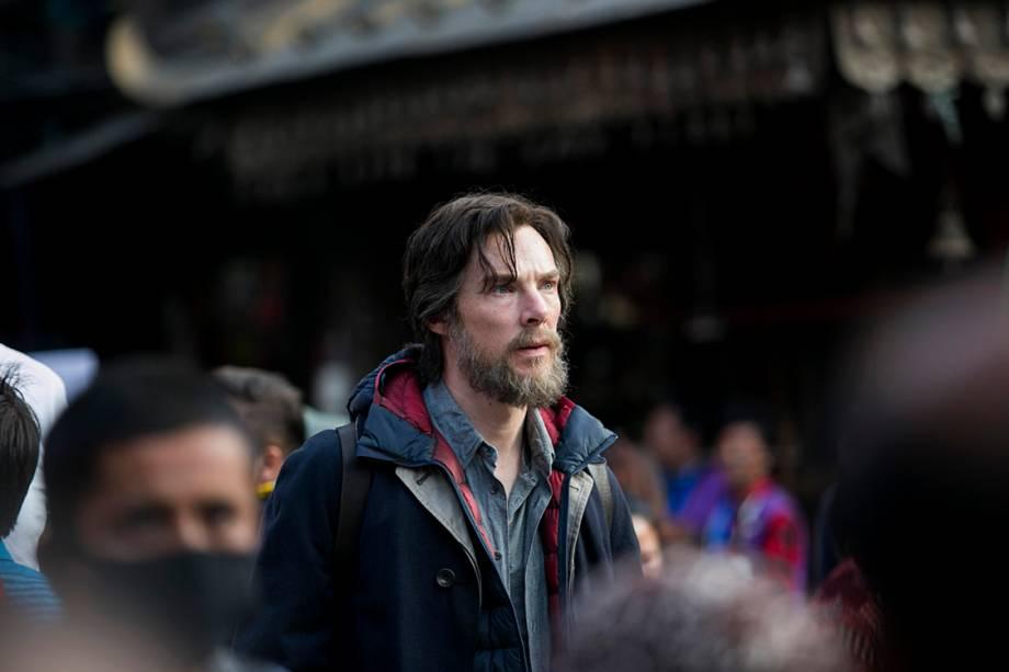 Benedict Cumberbatch é o Dr. Stephen Strange no filme 'Doutor Estranho' na Marvel