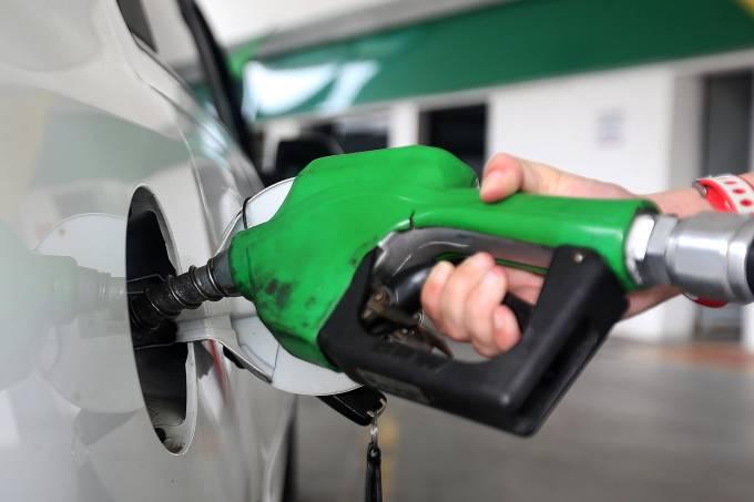 Dia sem imposto: gasolina com desconto
