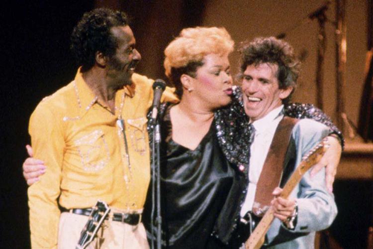 O guitarrista Chuck Berry, e os cantores Etta James e Keith Richards - 1986