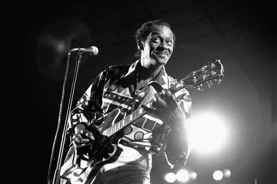 O guitarrista Chuck Berry durante apresentação em Amsterdã, na Holanda - 15/07/1988