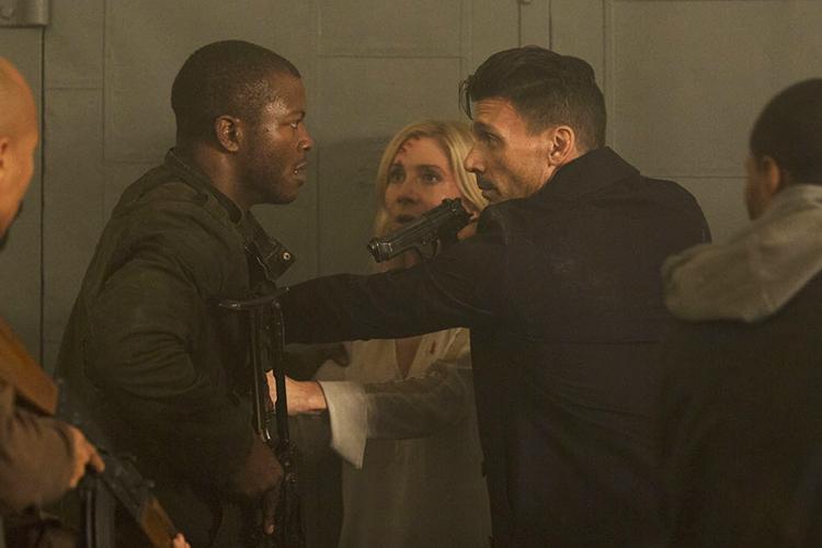 Único personagem que conecta os três filmes, Dante Bishop (Edwin Hodge) lidera movimento que tenta assassinar políticos radicais que apoiam o expurgo em '12 Horas para Sobreviver'